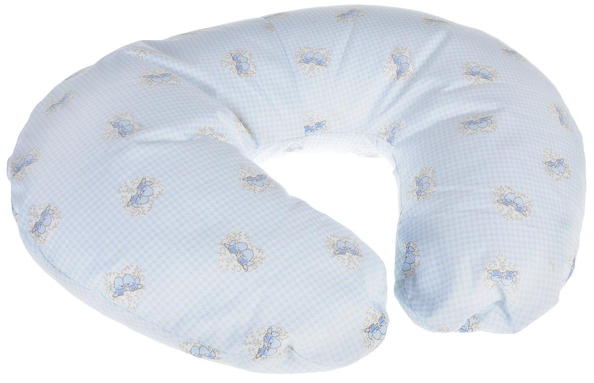 Plantex Подушка для кормящих и беременных мам Comfy Small ПтичкиL75х150 мятМногофункциональная подушка Plantex Comfy Small. Птички идеальна для удобства ребенка и его родителей.Зачастую именно эта модель называется подушкой для беременных. Ведь она создана именно для будущих мам с учетом всех анатомических особенностей в этот период. На любом сроке беременности она бережно поддержит растущий животик и поможет сохранить комфортное и безопасное положение во время сна. Также подушка идеально подходит для кормления уже появившегося малыша. Позже многофункциональная подушка поможет ему сохранить равновесие при первых попытках сесть.Чехол подушки выполнен из 100% хлопка и снабжен застежкой-молнией, что позволяет без труда снять и постирать его. Наполнителем подушки служат полистироловые шарики - экологичные, не деформируются сами и хорошо сохраняют форму подушки.Подушка для кормящих и беременных мам Plantex - это удобная и практичная вещь, которая прослужит вам долгое время.Подушка поставляется в сумке-чехле.