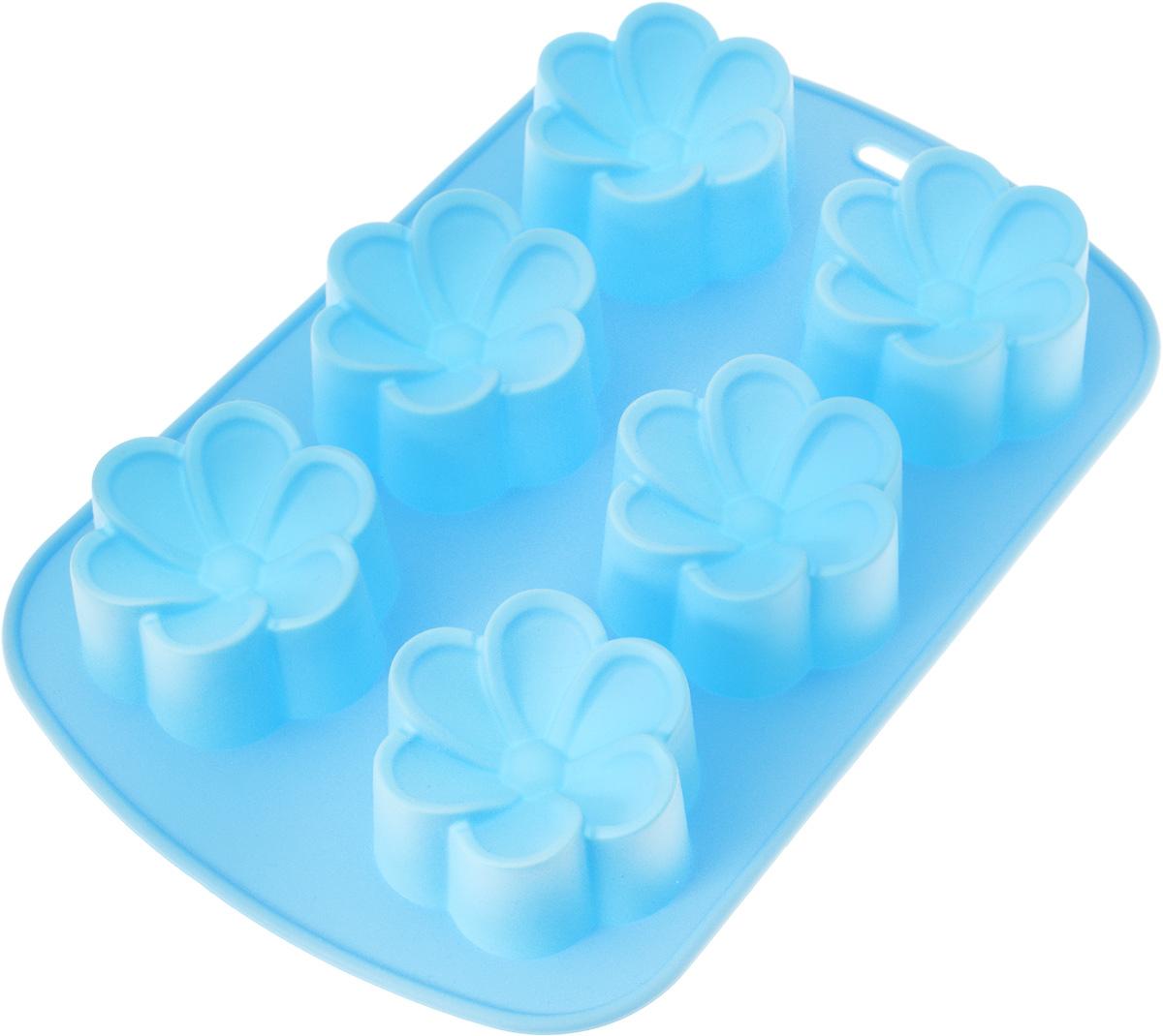 Форма для выпечки Mayer & Boch Ромашки, силиконовая, цвет: голубой, 6 ячеек21979_голубойФорма Mayer & Boch Ромашки, выполненная из силикона, будет отличным выбором для всех любителей домашней выпечки. Форма имеет 6 ячеек в виде цветков. Силиконовые формы для выпечки имеют множество преимуществ по сравнению с традиционными металлическими формами и противнями. Нет необходимости смазывать форму маслом. Форма быстро нагревается, равномерно пропекает, не допускает подгорания выпечки с краев или снизу. Вынимать продукты из формы очень легко. Слегка выверните края формы или оттяните в сторону, и ваша выпечка легко выскользнет из формы. Материал устойчив к фруктовым кислотам, не ржавеет, на нем не образуются пятна. Форма может быть использована в духовках и микроволновых печах (выдерживает температуру от -40°С до +230°С), также ее можно помещать в морозильную камеру и холодильник. Можно мыть в посудомоечной машине.Размер ячейки: 6 х 7 х 3 см.