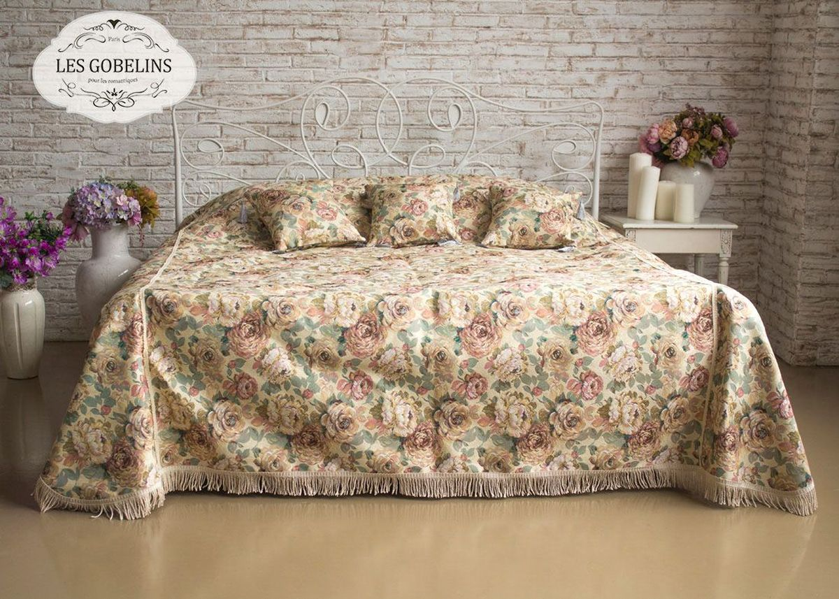 Покрывало на кровать Les Gobelins Fleurs Hollandais, 150 х 220 смFA-5125 WhiteПокрывало на кровать Les Gobelins Fleurs Hollandais с ярким цветочным рисунком привлечет к себе внимание и органично впишется в интерьер комнаты. Изделие изготовлено из высококачественной ткани гобелен и оформлено бахромой и кисточками. Необычайная красота сочетается в этом покрывале с высокой прочностью и долговечностью, а свойство гобелена по-разному проявлять себя в зависимости от освещения помещения позволяет открывать все новые и новые детали, которые, как казалось, раньше скрывал гобелен.Красочное и приятное на ощупь покрывало сделает интерьер спальни, детской или гостиной уютнее и своеобразнее. Состав материала: 52% хлопок, 48% полиэстер.
