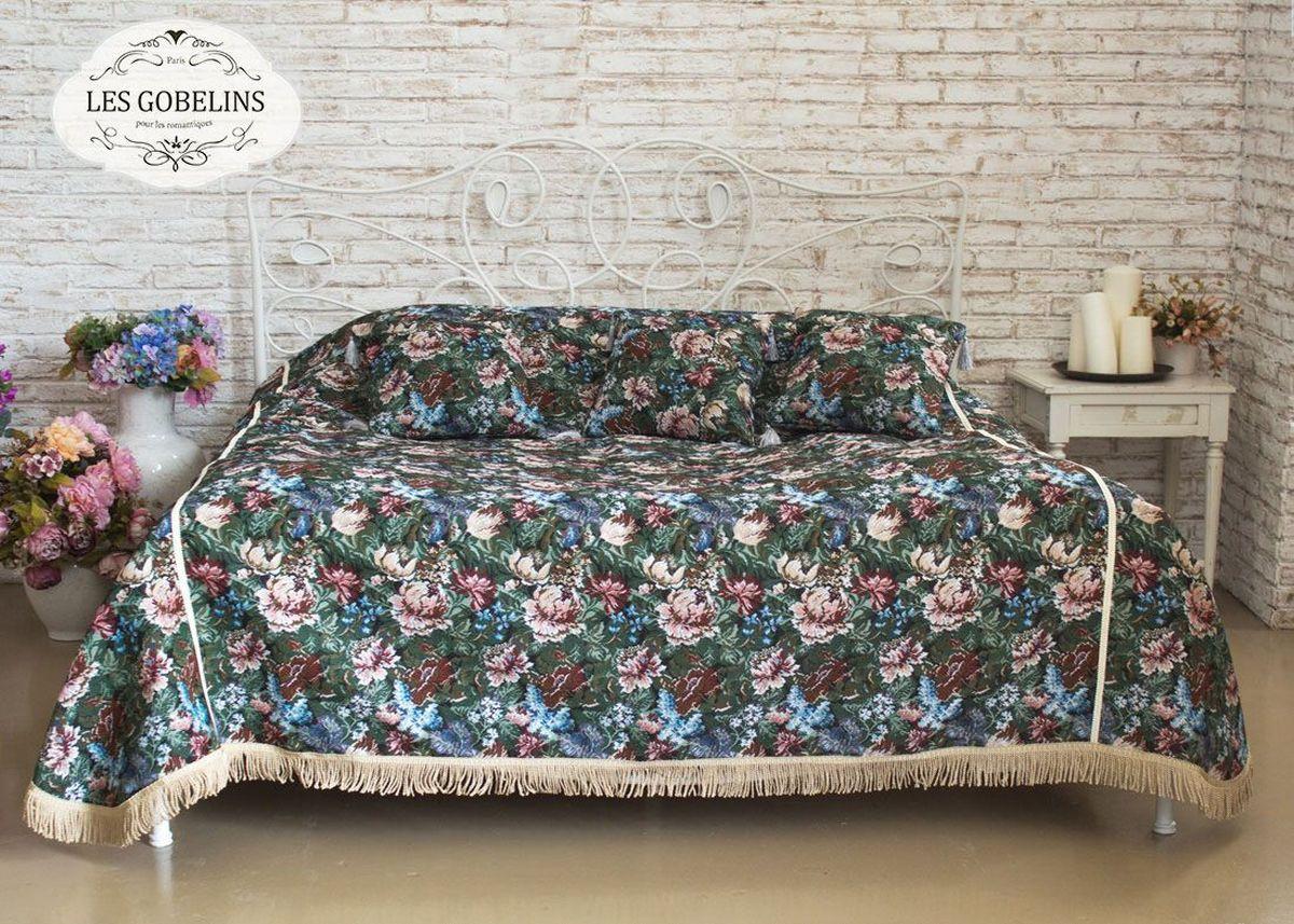 Покрывало на кровать Les Gobelins Jardin DAmerique, 150 х 220 смES-412Покрывало на кровать Les Gobelins Jardin DAmerique с ярким цветочным рисунком привлечет к себе внимание и органично впишется в интерьер комнаты. Изделие изготовлено из высококачественной ткани гобелен и оформлено бахромой и кисточками. Необычайная красота сочетается в этом покрывале с высокой прочностью и долговечностью, а свойство гобелена по-разному проявлять себя в зависимости от освещения помещения позволяет открывать все новые и новые детали, которые, как казалось, раньше скрывал гобелен.Красочное и приятное на ощупь покрывало сделает интерьер спальни, детской или гостиной уютнее и своеобразнее. Состав материала: 60% хлопок, 40% полиэстер.