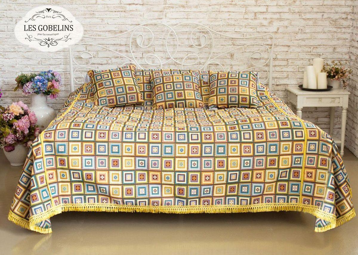 Покрывало на кровать Les Gobelins Labyrinthe, 240 х 220 смU210DFПокрывало на кровать Les Gobelins Labyrinthe с ярким геометрическим рисунком привлечет к себе внимание и органично впишется в интерьер комнаты. Изделие изготовлено из высококачественной ткани гобелен и оформлено бахромой и кисточками. Необычайная красота сочетается в этом покрывале с высокой прочностью и долговечностью, а свойство гобелена по-разному проявлять себя в зависимости от освещения помещения позволяет открывать все новые и новые детали, которые, как казалось, раньше скрывал гобелен.Красочное и приятное на ощупь покрывало сделает интерьер спальни, детской или гостиной уютнее и своеобразнее. Состав материала: 52% хлопок, 48% полиэстер.