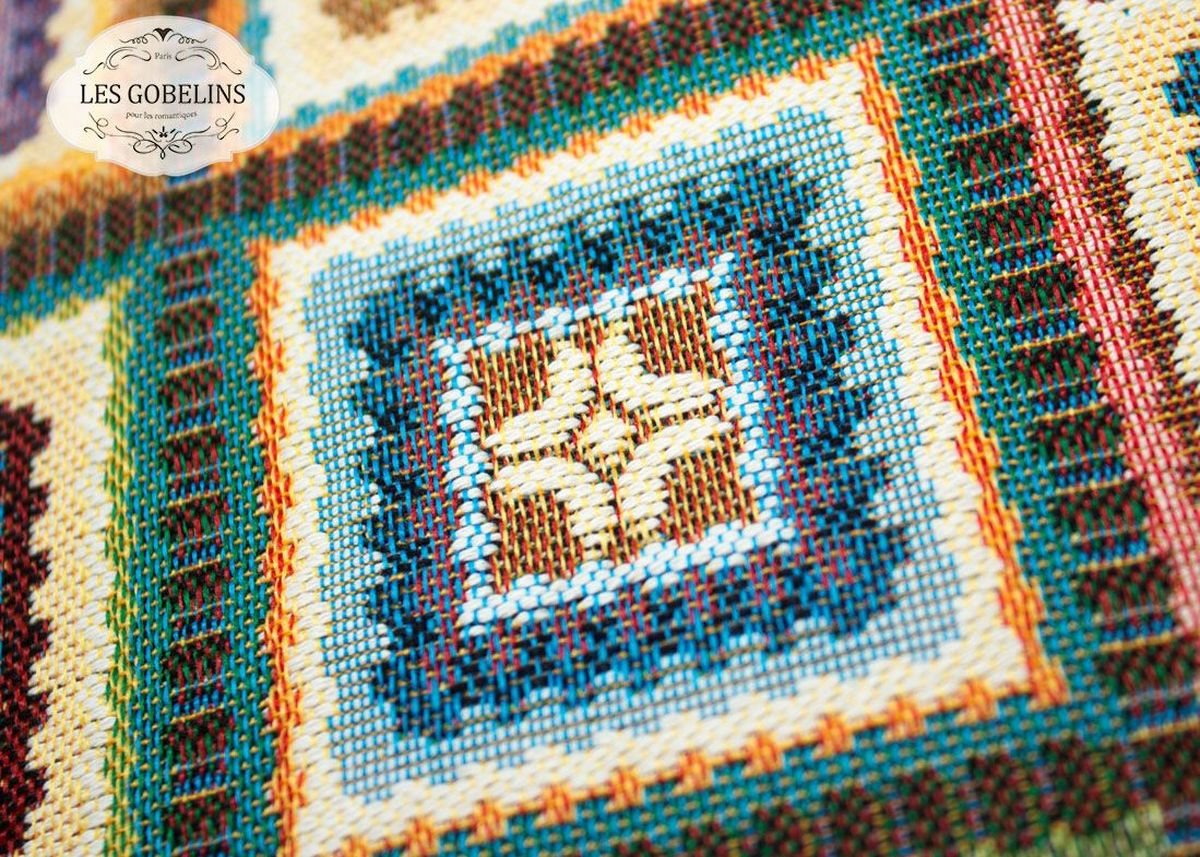Покрывало на диван Les Gobelins Labyrinthe, 160 х 200 см1004900000360Покрывало на диван Les Gobelins Labyrinthe с ярким геометрическим рисунком привлечет к себе внимание и органично впишется в интерьер комнаты. Изделие изготовлено из высококачественной ткани гобелен и оформлено бахромой и кисточками. Необычайная красота сочетается в этом покрывале с высокой прочностью и долговечностью, а свойство гобелена по-разному проявлять себя в зависимости от освещения помещения позволяет открывать все новые и новые детали, которые, как казалось, раньше скрывал гобелен.Красочное и приятное на ощупь покрывало сделает интерьер спальни, детской или гостиной уютнее и своеобразнее. Состав материала: 52% хлопок, 48% полиэстер.