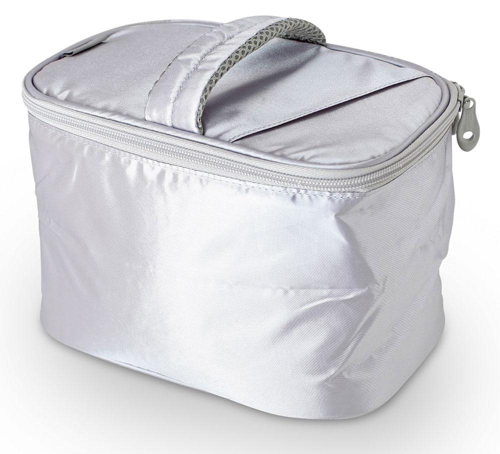 Термосумка Thermos Beauty Kit, цвет: серебряный, 6,5 л787502Изотермическая сумка Beauty Kit, с застежкой -молнией предназначена для длительных поездок. Способна вместить довольно большой объем кремов, мазей, медикаментов и других препаратов не предназначенных для хранения в тепле. Способна вместить довольно большой объем кремов , мазей, медикаментов и других препаратов не предназначенных для хранения в тепле. По желанию, для усиления охлаждающего эффекта возможно применение замороженных аккумуляторов температуры THERMOS Gel Pack.Объем: 6,5 л.