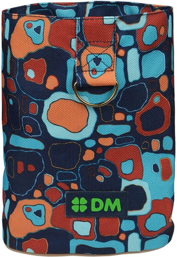 Сумочка для лакомств Dogmoda СитиDM-160120Сумка небольшая, компактная, удобна при дрессировке собаки, на прогулке и на выставке. Сверху утягивается шнуром, поэтому лакомство не просыпается.Сумка изготовлена из прочной водоотталкивающей ткани.