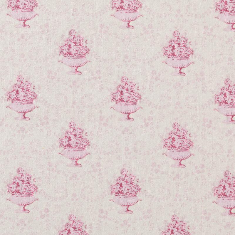 Ткань Tilda, цвет: фиолетовый, розовый, 50 х 55 см. 210480597C0042416Ткань Tilda, выполненная из натурального хлопка, используется для творческих работ. Хлопковые ткани не выцветают, не линяют, не деформируются при стирке и в процессе носки готовых изделий, сшитых из этих тканей.Ткань Tilda можно без опасений использовать в производстве одежды для самых маленьких детей, в производстве игрушек. Также ткань подойдет для декора и оформления творческих работ в различных техниках. Ширина: 50 см. Длина: 55 см.