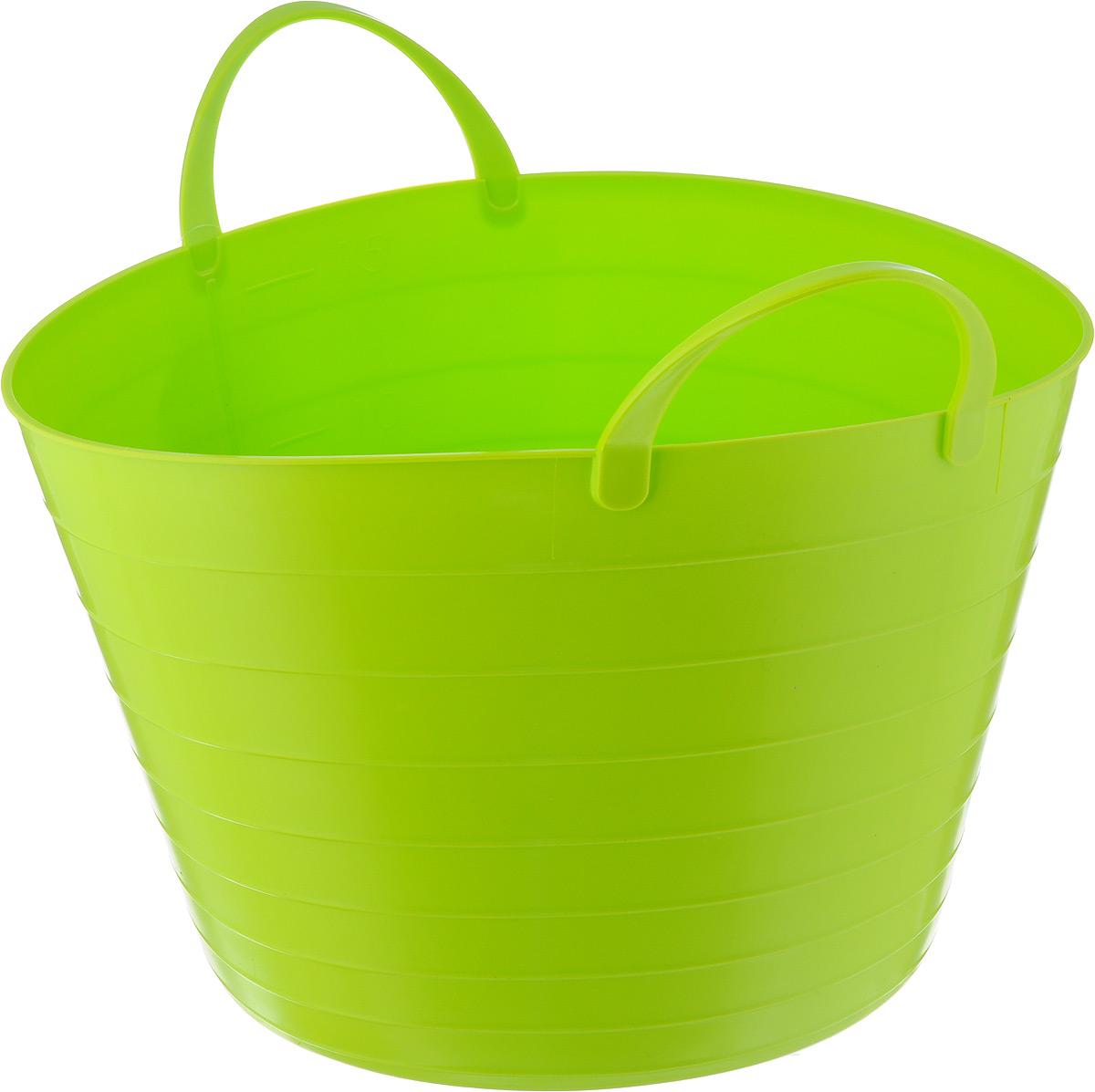 Корзина мягкая Idea, цвет: ярко-зеленый, 17 лM1241Мягкая корзина Idea изготовлена из гибкого полиэтилена и оснащена двумя удобными ручками. Внутренняя поверхность имеет отметки литража. Такой корзинке можно найти множество применений в быту: для строительства, для сбора фруктов, овощей и грибов, для хранения бытовых предметов и многого другого. Такая корзина пригодится в любом хозяйстве.Размер (без учета ручек): 33,5 х 33,5 х 24 см.