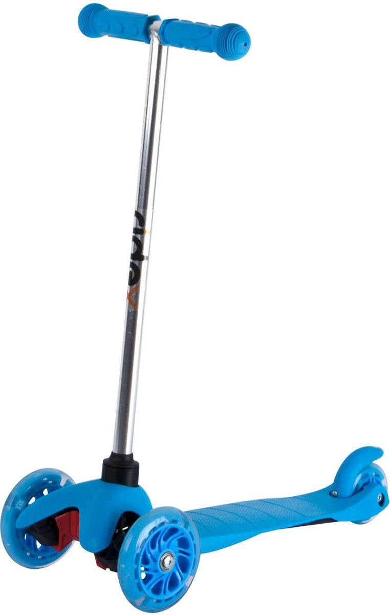 Самокат Ridex 3D Kinder, 3-колесный, цвет: синий, 120/80 мм. УТ-00009719УТ-00009708Трехколесный самокат бренда Ridex создан для детей, только начинающих осваивать данный способ передвижения. Благодаря устойчивости самоката ребенку не надо контролировать равновесие, а можно сосредоточиться на таких навыках, как отталкивание ногой, управление рулём и торможение. Прочная пластиковая дека обеспечит комфортное катание, а резиновые ручки поспособствуют прочному сцеплению с ладонями. Светящиеся колёса, без сомнений, станут поводом для искренней детской радости и восторженных взглядов окружающих!
