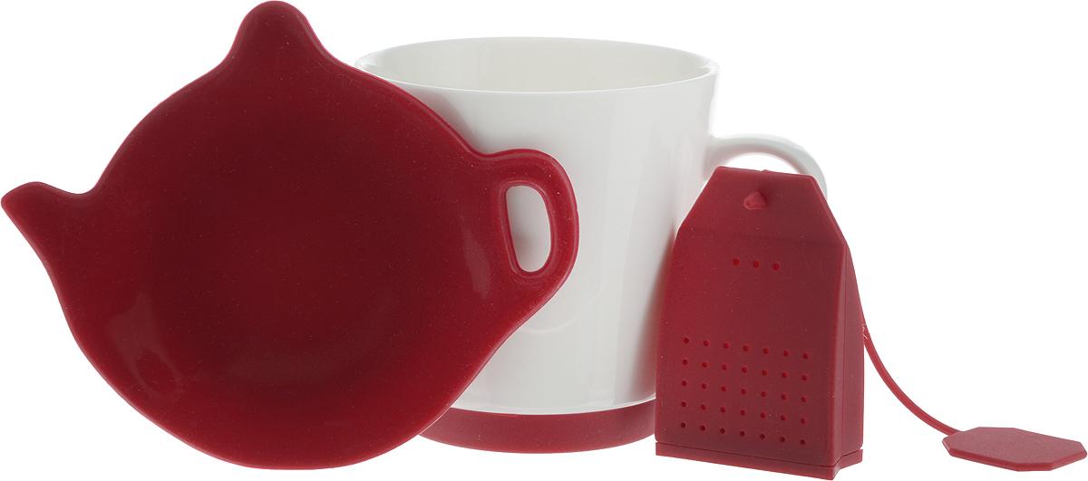 Набор для чая Oursson: кружка, ситечко, подставка, цвет: красный, белыйVT-1520(SR)Набор для чая Oursson состоит из кружки, ситечка и подставки для чайного пакетика. Ситечко и подставка выполнены из экологически чистого силикона в форме чайного пакетика и чайника. Кружка выполнена из высококачественной керамики с глазурованным покрытием. Основание кружки дополнено силиконовой вставкой. Такой чайный набор прекрасно оформит сервировку стола к чаепитию. Можно мыть в посудомоечной машине и использовать в СВЧ-печи. Объем кружки: 200 мл. Диаметр кружки (по верхнему краю): 8 см. Высота кружки: 8,5 см. Размер подставки: 12,5 х 10,5 х 1,5 см. Размер ситечка: 4,5 х 1,7 х 6,5 см.