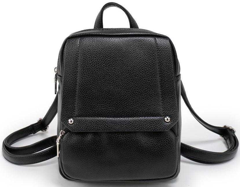 Рюкзак женский OrsOro, цвет: черный. D-042/4101248Рюкзак OrsOro выполнен из высококачественной искусственной кожи зернистой текстуры. Изделие оснащено двумя ручками для переноски иподвешивания. Также сумка имеет удобные лямки, длину которых можно изменять с помощью пряжек. На лицевой стороне расположен один небольшой объемный карман на молнии и вшитый карман на молнии под клапаном с магнитной кнопкой. На тыльной стороне расположен вшитый карман на молнии. Изделие закрывается с помощью молнии. Внутри расположено главное отделение, которое содержит одиннебольшой карман на молнии и один открытый карман для мелочей.