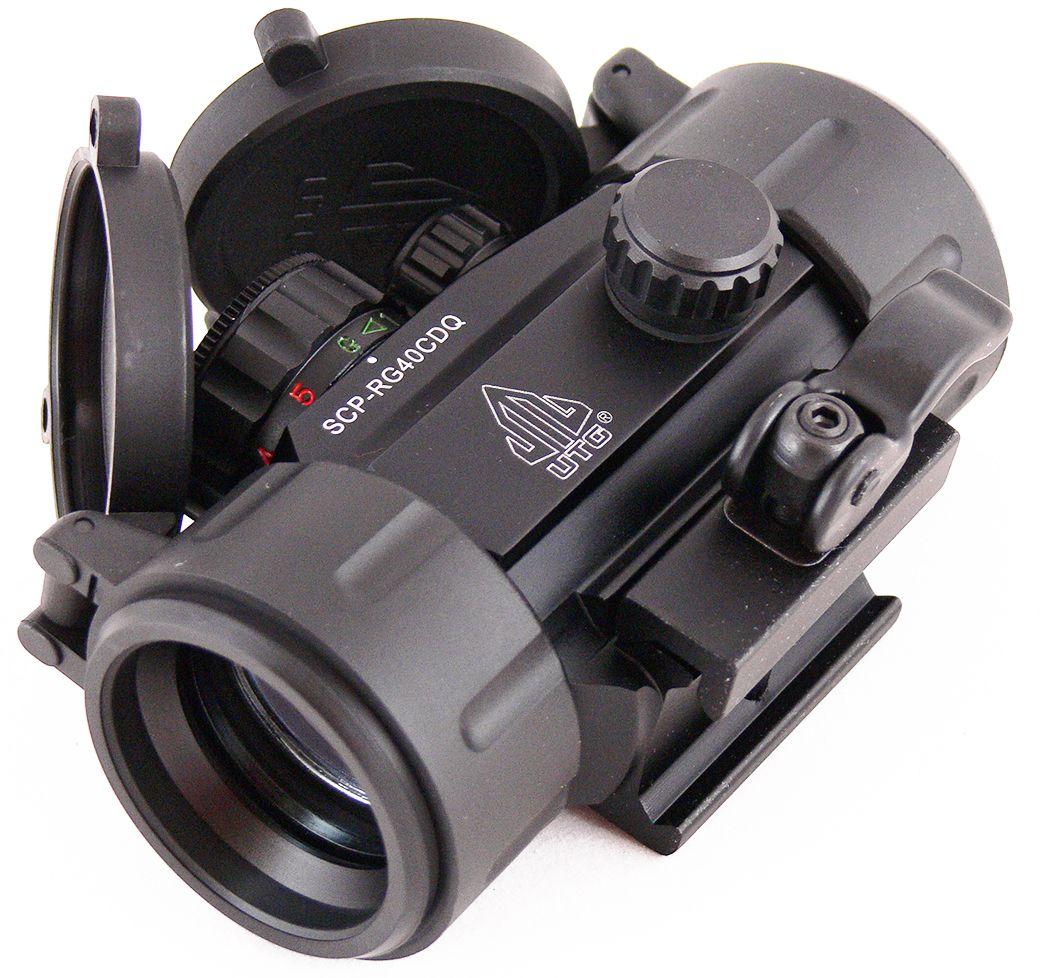 Прицел коллиматорный UTG Leapers 1x30, закрытый, круг с точкойSCP-RG40CDQКоллиматор Leapers UTG 1x30, закрытый, круг с точкой. Арт. SCP-RG40СDQКомпания Leapers, Inc. расположенная в штате Мичиган, производит и продает прицелы для спорта и охоты начиная с 1992 года. Продукция разработана в США и изготовлена под строгим контролем на производствах в США или в Азиатском регионе. Дилерская сеть компании включает в себя более 70 стран, где бренд Leapers (UTG) доказал, что он один из лучших по соотношению цена/качество и заслуживает доверия потребителя.Эта модель представляет собой небольшой коллиматорный прицел для установки на боевые модели карабинов и пистолетов, а также на охотничьи ружья, оснащенные планкой Weaver/Picatinny. Тип: закрытыйУвеличение (х): 1Прицельная марка: круг с точкойПодсветкаприцельной марки: 2 цвета (красный/зеленый), 5 уровней яркостиДиаметр объектива: 30 ммДиаметр трубки прицела: 38 ммДлина прицела: 95 ммМатериал: высокопрочный авиационный алюминиевый сплавТип батареи: CR2032 3VКрепление: интегрированное быстросъемное на Weaver/PicatinnyСовместимость с приборами ночного видения: нетСовместимость с увеличителем SCP-MF3WEQS: нетВес: 240 гВес с упаковкой: 360 гРазмер упаковки (ДхШхВ): 14х9х6 смГарания: 1 годКомплектация:- коллиматорный прицел- шестигранный ключ (1 шт.)- батарея CR2032 3V- салфетка для протирки оптики- крышки (flip-up) на объектив и окуляр.