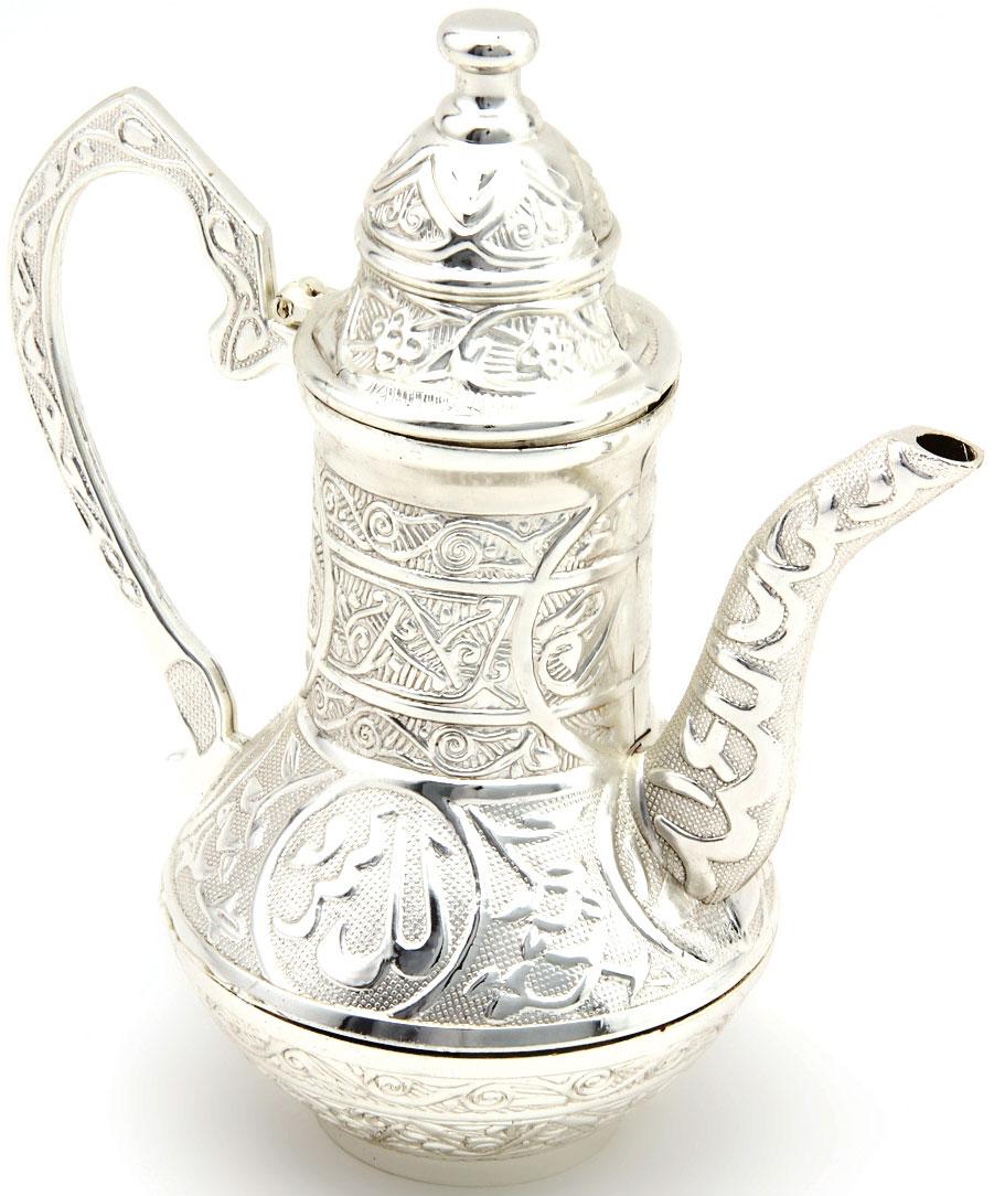 Чайник заварочный Marquis, 1 л. 7055-MRVT-1520(SR)Заварочный чайник Marquis в восточном стиле изготовлен из стали с серебряно-никелевым покрытием. Внешняя поверхность украшена изящным рельефом. Чайник оснащен высоким носиком, большой ручкой и откидной крышкой. Такой чайник прекрасно подойдет для заварки чая, а также для хранения и сервировки соусов. Чайник Marquis - это великолепный подарок на любое торжество, а также приятный предмет для сервировки праздничного стола. Диаметр чайника (по верхнему краю): 5,5 см. Высота чайника (с учетом крышки): 17,5 см. Состав: нержавеющая сталь с никель-серебряным покрытем (гальваника). Уход: Сухая чистка либо протирать влажной тряпочкой без использования абразивных средств.