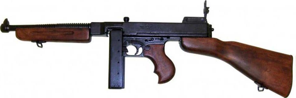 Винтовка М1А1. Оружейная реплика. Вторая мировая война74-0120М1А1 — американский полуавтоматический карабин, созданный в 1942 году. Обладает слабой отдачей и большой скорострельностью.Автоматическая винтовка М1А1 отличается от стандартной модели винтовки М1 наличием складывающегося металлического приклада. Это сделано специально для вооружения этой автоматической винтовкой парашютистов. Было выпущено 150 000 шт. Копия полностью копирует оригинал по размеру.