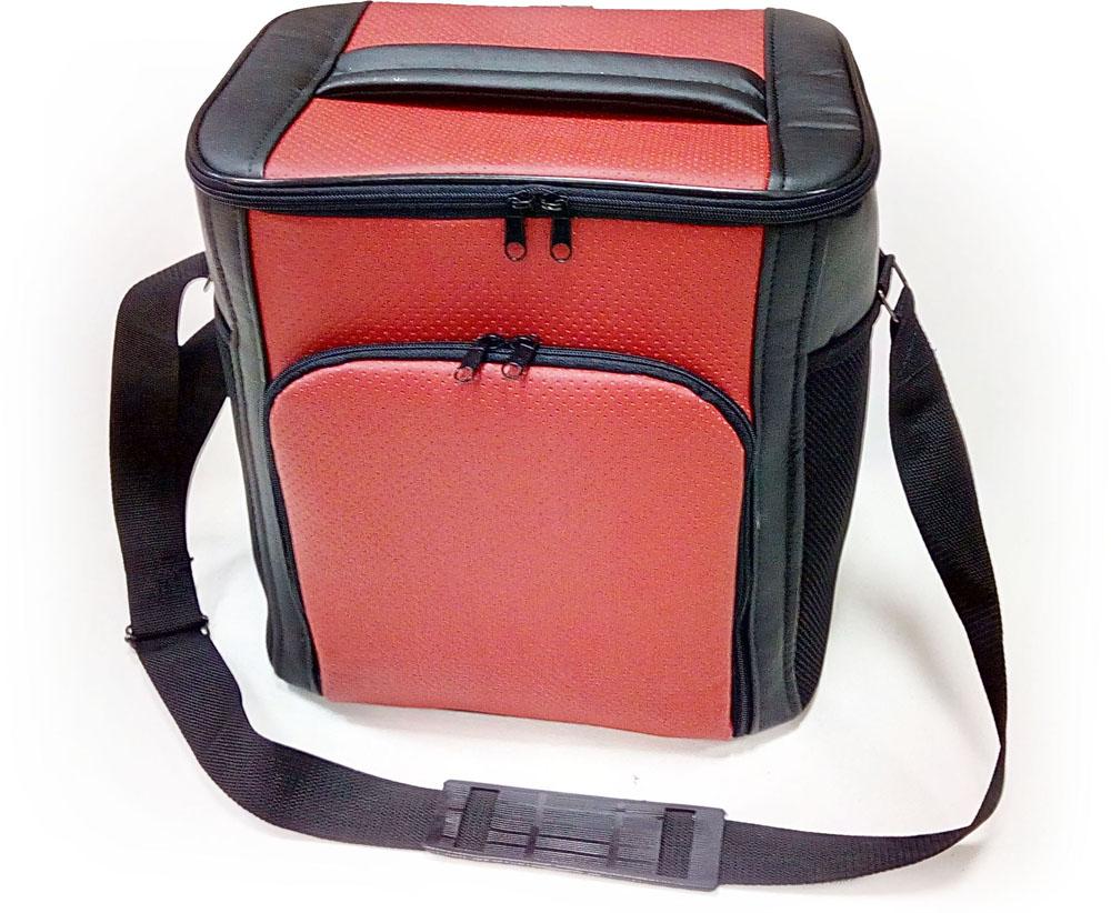Термосумка Auto Premium, цвет: черный, красный, 20 л475268Термосумка Auto Premium выполнена из экокожи и оснащена регулируемым плечевым ремнем. Основное отделение и передний карман закрываются на молнию. Для дополнительного удобства термосумка имеет два боковых сетчатых кармана. Ваши продукты сохранятся свежими, а напитки холодными даже в жару благодаря специальному внутреннему термоизоляцоному материалу АЛЮФОМ (РФ). Для более длительного поддержания температурного режима рекомендуется использовать с аккумуляторами холода. Объем термосумки: 20 л.