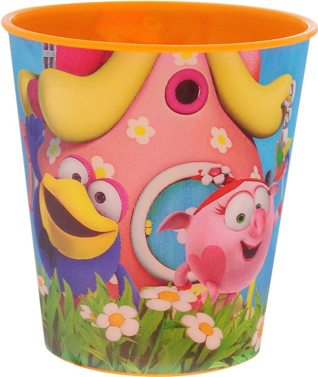 Смешарики Стакан детский 280 млSMT280-01Детский стакан Смешарики непременно станет любимым стаканчиком малыша. Стакан выполнен из прочного безопасного полипропилена и оформлен изображением героев мультсериала Смешарики. Благодаря безопасному материалу, стакан подойдет для любых напитков.Объем стакана - 280 мл. Яркий детский стаканчик непременно порадует ребенка и станет отличным подарком для любого маленького поклонника сериала Смешарики.Стакан не подходит для использования в СВЧ-печах и посудомоечных машинах.