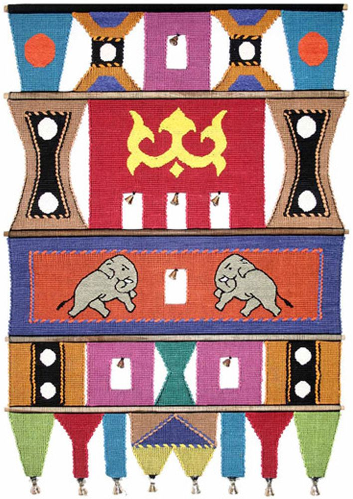 Коврик декоративный India Cotton, 47 х 74 см. 409BES-412Коврик декоративный ручной работы.Произведен в деревнях Индии, с вековыми традициями в изготовлении хлопковых изделий.Служит идеальным украшением Вашего интерьера, отличный подарок по любому случаю. Этнический оберег, колокольчиками отгоняющий зло и привлекающий блага.Изделия ручной работы могут немного отличаться от товара, представленного на фото, например, цветовыми нюансами, отделкой.Внимание: коврик не подлежит стирке!