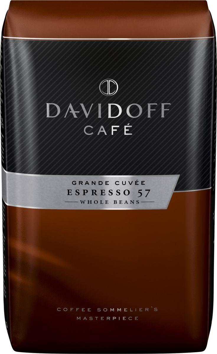 Davidoff Espresso кофе в зернах, 500 г92028Davidoff Espresso - это уникальное сочетание зерен бразильской и африканской Арабики. Благодаря сильной, темной обжарке зерен эспрессо получается с насыщенным вкусом, увенчанный тонкой пенкой, с фруктово-цитрусовыми нотками и сладким ореховым послевкусием. Идеально подходит для приготовления напитков на основе молока.