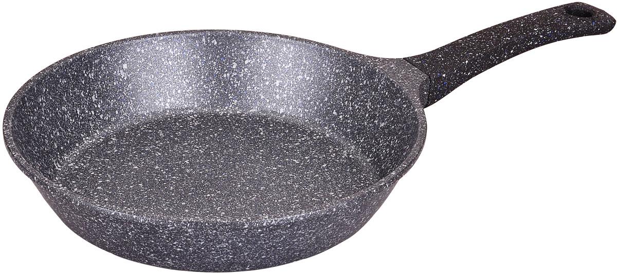 Сковорода Winner Marble coating, с мраморным покрытием. Диаметр 28 см94672Сковорода Winner Marble coating выполнена из алюминия, который обладает не только превосходными теплораспределительными свойствами, но и устойчивостью к деформации даже при интенсивном использовании. Мраморное покрытие не содержит PFOA и абсолютно безопасно для здоровья. Толщина дна и высота бортов сковороды оптимальны для различных способов приготовления. Сковорода оснащен бакелитовой ручкой, благодаря чему она не выскальзывает из рук.Изделие подходит для всех плит, включая индукционные. Также его можно мыть в посудомоечной машине. Диаметр сковороды: 28 см. Высота стенки: 6 см.