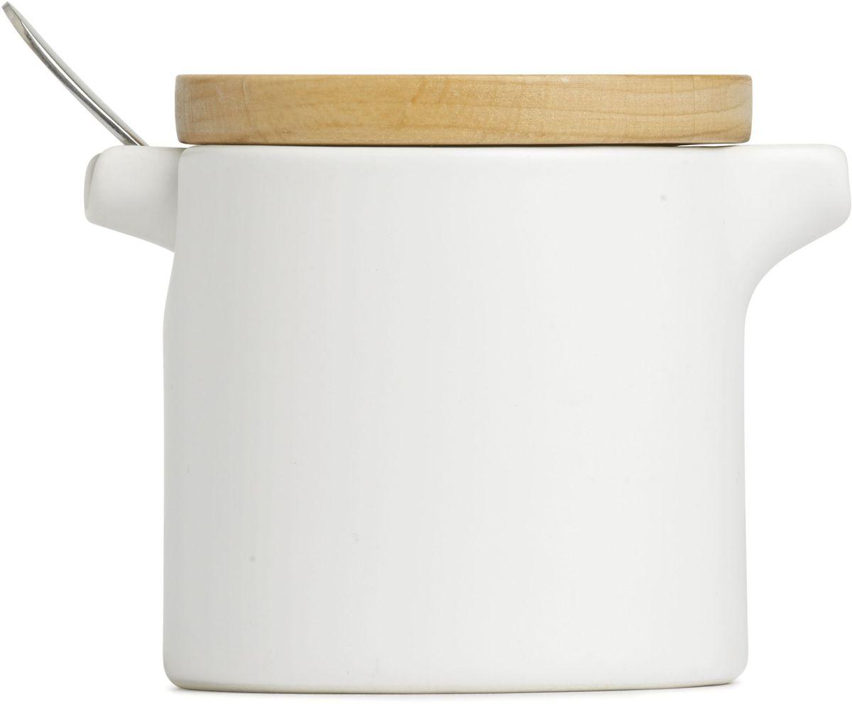 Набор Umbra SAVORE, для сахора и сливок. 461062-668115510Изящный сервировочный набор для любителей кофе и чая. Небольшая сахарница вмещает до 150 грамм сахара, а сливочник — до 200 мл. молока или сливок. В набор также входит никелированная чайная ложка. Предметы компактно складываются один в другой, экономя место при хранении. Стильное сочетание белой керамики и крышки из натурального дерева. Design: Moe Takemura & David Green