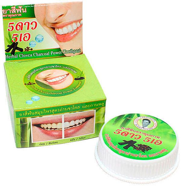 5 Star Cosmetic травяная отбеливающая зубная паста с углем БамбукаSatin Hair 7 BR730MNУголь Бамбука удаляет с эмали пятна от кофе, чая, сигарет и даже лекарств, а также поглощает бактерии, нейтрализуя неприятный запах изо рта. Активированный бамбуковый уголь впитывает и удаляет кислый налет, тем самым повышая PH ротовой полости. Эффективно также применение угля для облегчения зубной боли, для ускорения заживления язв, при абсцессах и воспалениях десен. Очень экономична. Не содержит консервантов, фтор и его производных.