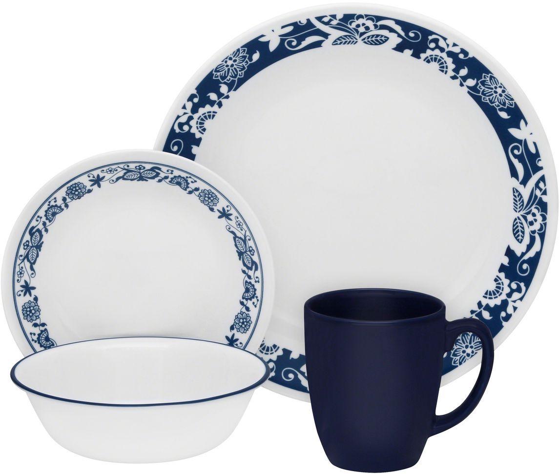 Набор столовой посуды Corelle True Blue, 16 предметов. 1114045FS-91909Посуда Corelle мирового бренда WorldKitchen сделана из материала Vitrelle. Стекло Vitrelle является экологически чистым материалом без посторонних добавок. Идеальный белый цвет посуды достигается путем сверхвысокой термической обработки компонентов. Vitrelle сверхпрочный материал, используемый для столовой посуды, изобретенный в начале 1970х в Соединенных Штатах Америки. Материал сделан из трех слоев стекла спеченных вместе. Посуда Vitrelle тонка и легка при том, что является более ударопрочной по сравнению с обычной столовой посудой. Соль, полевой шпат, известняк, и 2 других вида соли попадают в печь, где при 1400 градусов Цельсия превращаются в жидкое стекло. Стекло заливается в молды, где соединяются 3 слоя в один. Края посуды обрабатываются огненной полировкой. Проходя через дополнительную обработку, три слоя приобретают сверхпрочность. Путем шелкографии на днище наносится бренд, а так же дополнительная информация. Узор на посуде так же наносится путем шелкографии. Готовая посуда подвергается воздействию 800 градусов для закрепления узора. В конце посуда обрабатывается спреем на основе силикона для исключения царапин при транспортировке.