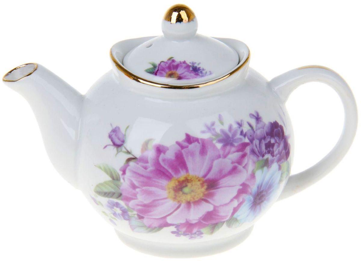 Чайник заварочный Доляна Клементина, 230 мл1169132Чайник заварочный Доляна выполнен из высококачественной керамики. Посуда отличается прозрачностью и белизной, она неприхотлива и не требует особых условий хранения. Материал изделия долгое время сохраняет тепло, нейтрален к пищевым продуктам, легко моется. Чайник имеет традиционную форму, дополнен ярким цветочным рисунком и золотистой эмалью. Высокие эксплуатационные качества делают изделие удачным выбором для повседневного использования и сервировки праздничного стола.