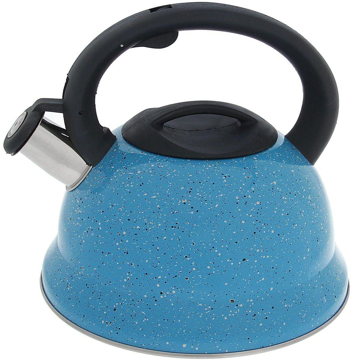 Чайник Доляна Рио, со свистком, цвет: голубой, черный, 2,8 лFS-91909Чайник Доляна Рио выполнен из высококачественной нержавеющей стали. Материал изделия отличается неприхотливостью в уходе, безукоризненной функциональностью, гигиеничностью и стойкостью к коррозии. Чайники из нержавеющей стали абсолютно безопасны для здоровья человека. Благодаря низкой теплопроводности и оптимальному соотношению дна и стенок вода дольше остается горячей, а качественное дно гарантирует быстрый нагрев. Чайник при кипячении сохраняет все полезные свойства воды. Чайник снабжен фиксированной пластиковой ручкой. Удобная ручка не нагревается, и поэтому вероятность ожогов сводится к минимуму. Свисток на носике чайника громко оповестит, когда закипела вода. Свисток открывается нажатием кнопки на рукоятке. Внешние стенки выполнены под мрамор. Подходит для газовых, электрических, стеклокерамических, галогеновых, индукционных плит. Рекомендуется ручная мойка.