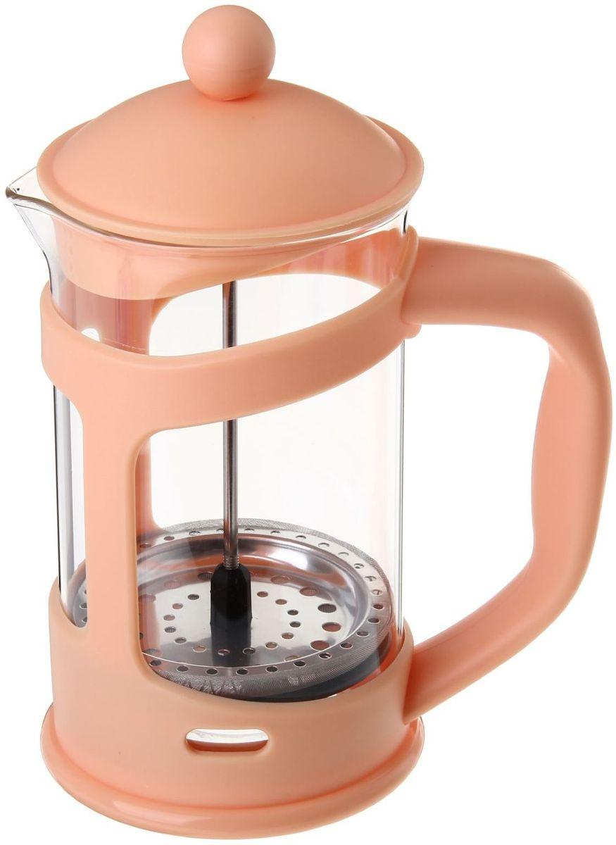 Френч-пресс Доляна Домашнее тепло, цвет: бежевый, прозрачный, 800 мл115510Френч-пресс Доляна Домашнее тепло - замечательное приспособление для приготовления чая и кофе. Он пользуется огромным спросом у любителей этих напитков, ведь изделие довольно простое в использовании и имеет ряд преимуществ. Чай в нем быстрее заваривается, емкость позволяет наиболее полно раскрыться вкусовым качествам напитка. Вы можете готовить кофе и чай с любимыми специями и травами.Чтобы приготовить кофе, сначала вам нужно перемолоть зерна. Степень помола - грубая. Вскипятите воду. Насыпьте кофе в изделие и медленно залейте его кипятком из чайника. Наполните приспособление до середины, подождите 1 минуту и долейте остальное. Накройте крышкой, пусть напиток настоится еще 3 минуты. Медленно опустите поршень. Оставьте кофе на 3 минуты, чтобы опустился осадок. Ваш напиток готов!