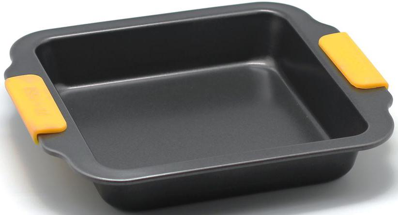 Форма для запекания Zanussi Amalfi, цвет: черный. ZAC32413CF115510Коллекция форм серии Amalfi является хорошим приобретением любой хозяйки. Товар бренда Zanussi - металлические формы - пользуется высоким спросом, его отличает высокое качество и удобный размер. Изделия выполнены из толстой углеродистой стали. Отличительной особенностью серии являются силиконовые ручки на изделии, благодаря которым Вам не прийдется пользоваться дополнительными средствами для вытаскивания формы из духовки. Форма имеет антипригарное покрытие и утолщенные стенки, которые гарантируют равномерное пропекание изделия. Можно использовать в духовке до 230 градусов. Главное преимущество стальных форм - это абсолютная химическая нейтральность и экологичность.
