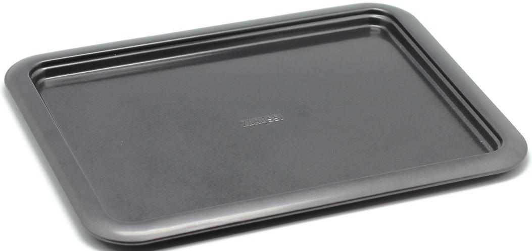 Противень Zanussi Taranto, 37 х 28 х 1,6 см, цвет: черный. ZAC38211BF54 009312Коллекция форм серии Taranto является хорошим приобретением любой хозяйки. Товар бренда Zanussi - металлические формы - пользуется высоким спросом, его отличает высокое качество и удобный размер. Изделия выполнены из толстой углеродистой стали. Форма имеет антипригарное покрытие и утолщенные стенки, которые гарантируют равномерное пропекание изделия. Можно использовать в духовке до 230 градусов. Главное преимущество стальных форм - это абсолютная химическая нейтральность и экологичность.