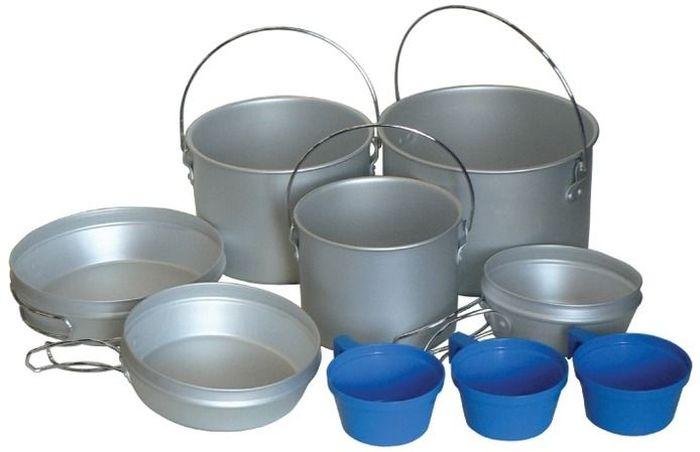 Набор походной посуды Tramp, 9 предметов, цвет: серый. TRC-002TRC-002Набор походной посуды Tramp включает в себя три котелка-кастрюли, крышки-сковородки и кружки. Набор идеально подойдет для приготовления пищи во время похода. Предметы изготовлены из алюминия. Посуда легкая и компактно складывается, поэтому не займет в походном рюкзаке много места. В комплекте:- котелок 2,9 л, с дужкой, крышка-сковородка со складными ручками;- котелок 1,9 л, с дужкой, крышка-сковородка со складными ручками;- котелок 1,2 л, с дужкой, крышка-сковородка со складными ручками;- пластиковые кружки: 3 шт. Полный вес: 830 г.
