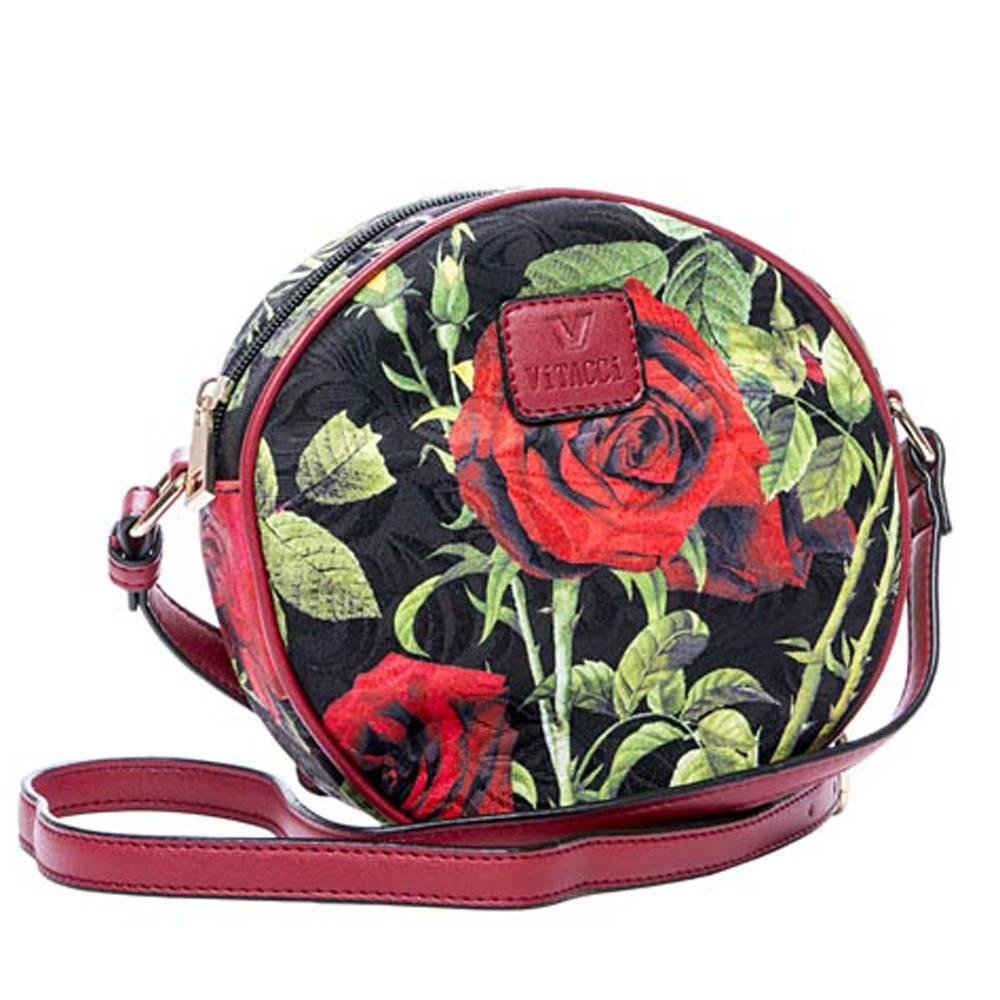 Сумка детская Vitacci, цвет: черный, красный. 13772-5L39845800Детская стильная сумочка Vitacci выполнена из качественного текстиля. Сумка имеет одно вместительное отделение и застегивается на застежку-молнию. Спереди сумка дополнена декоративной нашивкой с названием бренда. Модель выполнена в форме круга и оформлена принтом с розами.Сумка оснащена несъемным наплечным ремнем, который регулируется по длине.