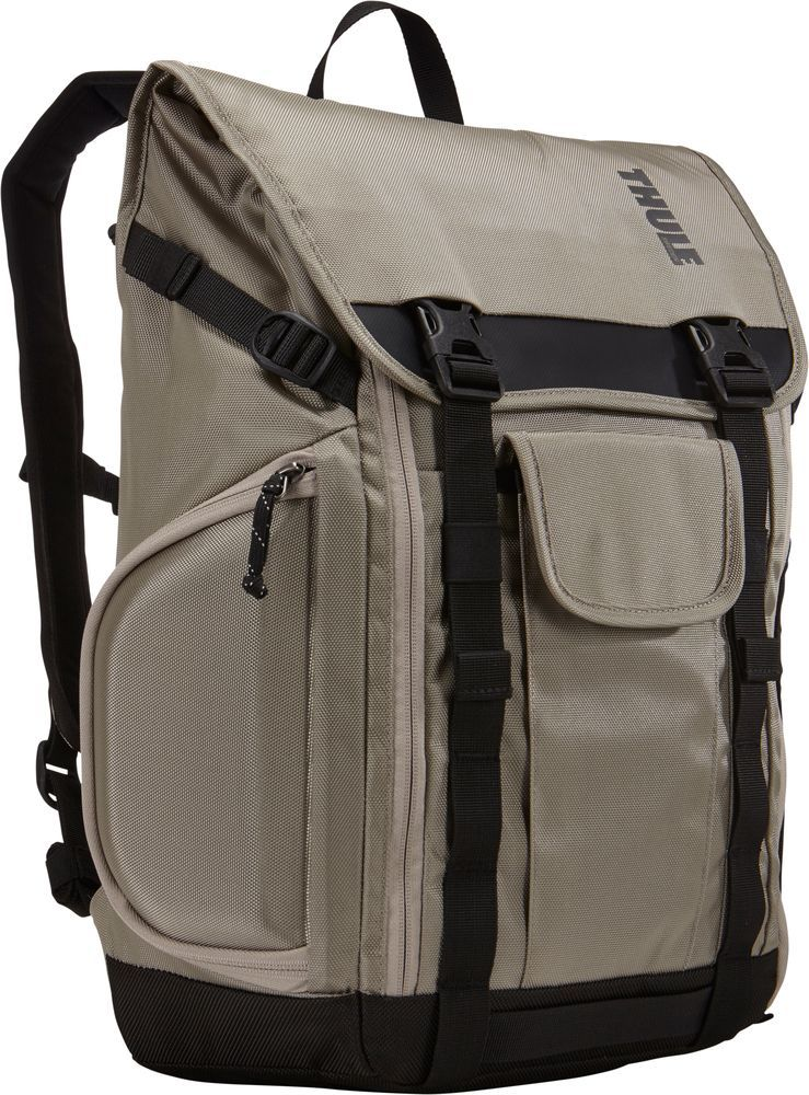 Рюкзак городской Thule Subterra Backpack, цвет: песочный, 153615Рюкзак Thule Subterra - Рюкзак, подходящий для поездок на работу, позволяет увеличивать объем, а также отличается наличием отделений с быстрым доступом. Имеется специальная защита для MacBook с диагональю экрана 15; и планшета (или iPad) с диагональю экрана 10,1