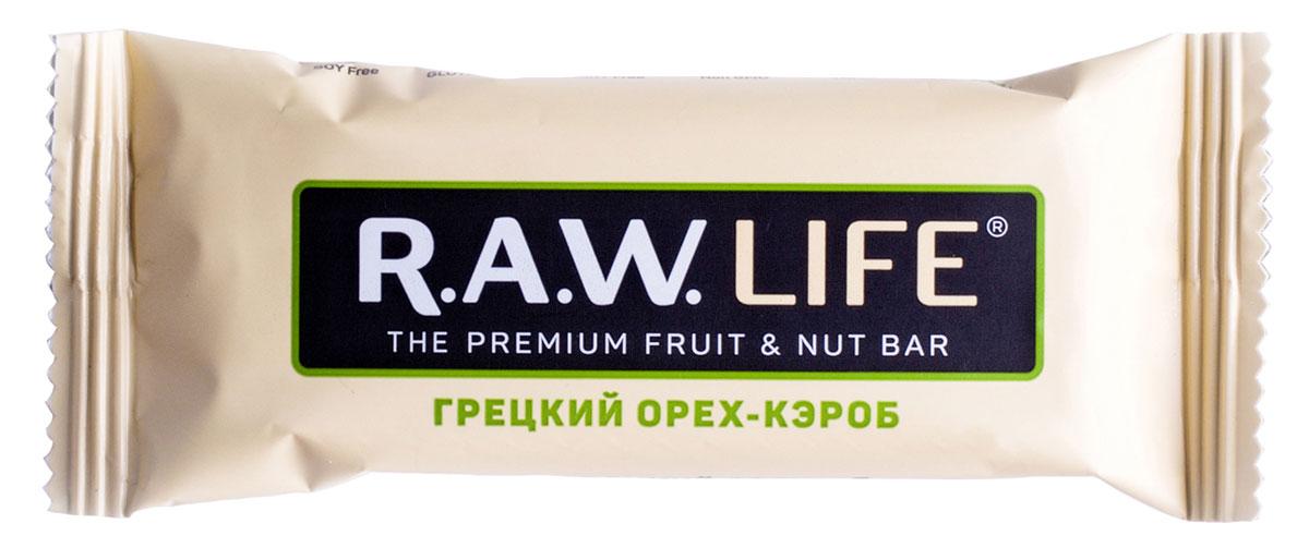 R.A.W.LIFE Грецкий орех-Кэроб орехово-фруктовый батончик, 47 г00106Благородное сочетание грецкого ореха, кэроба, банана и редкой мадагаскарской ванили. Аромат бананового пирога с грецкими орехами сбивает с толку, но на самом деле этот батончик намного полезнее любого десерта: без тепловой обработки, пшеничной муки и сахара. Грецкий орех улучшает работу сердечно-сосудистой системы и стимулирует мозговую активность для свежих идей. Кэроб делается из Рожкового дерева и похож по вкусу на какао, но не содержит кофеина, хорошо насыщает, и способствует естественному снижению аппетита. На заметку тем, кто следит за фигурой.