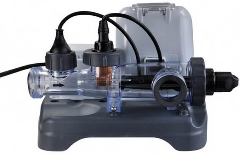 Система морской воды Intex, 220 В. с54602AS 25Система морской воды Intex - хлоргенератор позволяет отказаться от использования жидкого хлора для очистки и обеззараживания воды. Предназначен для каркасных и надувных бассейнов Intex, а также бассейнов других фирм.Использование хлоргенератора не только намного безопаснее для кожи и слизистой оболочки глаз, но и дешевле в эксплуатации, так как в качестве реагента используется обычная соль.Служит для дезинфекции и обеззараживания воды в бассейне. Уничтожает бактерии, препятствует образованию водорослей в воде.Для данной модели хлоргенератора характерно засыпать определенное количество соли непосредственно в бассейн, согласно инструкции, в зависимости от размера бассейна.Производительность хлора : 12грамм/часВес 20.1 кг