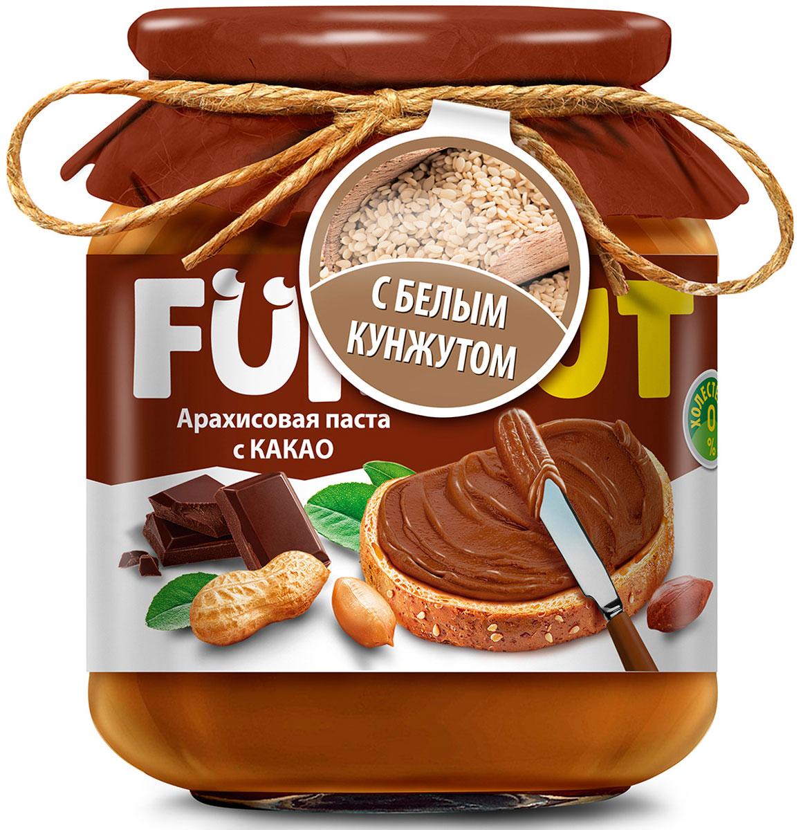 Funnat Арахисовая паста с какао с добавлением кунжута, 340 г0120710Арахисовая паста Funnat давно и широко распространена в США и вВеликобритании. Эта ореховая паста приготовлена из поджаренного арахиса, нежной текстуры. Благодаря содержанию легкоусвояемых белков и жиров, арахисовая паста может конкурировать по питательности с продуктами животного происхождения. Она сытная и полезная, и в тое время препятствует перееданию.