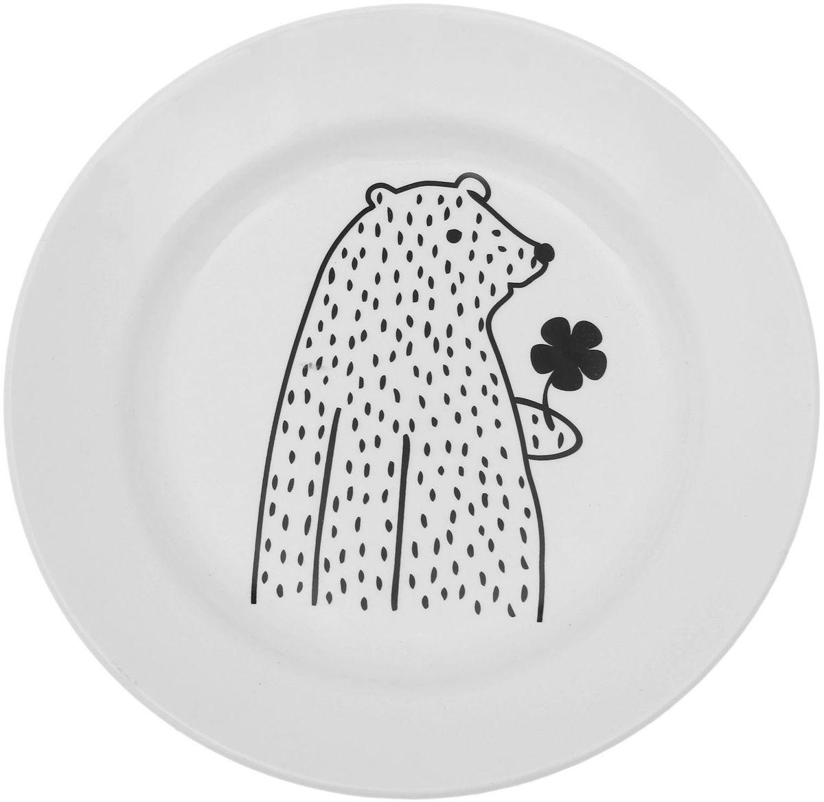 Тарелка мелкая Сотвори чудо Цветочный мишка, диаметр 20 см115510Хотите обновить интерьер кухни или гостиной? Устраиваете необычную фотосессию или тематический праздник? А может, просто ищете подарок для близкого человека? Посуда Сотвори Чудо — правильный выбор в любой ситуации. Тарелка Сотвори Чудо, изготовленная из изящного фаянса нежного сливочного цвета, оформлена оригинальным рисунком со стойкой краской. Пригодна для посудомоечной машины.