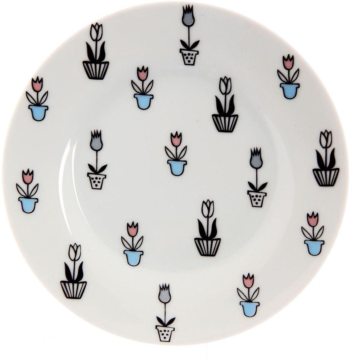 Тарелка мелкая Сотвори чудо Тюльпаны, диаметр 15,5 смFS-91909Хотите обновить интерьер кухни или гостиной? Устраиваете необычную фотосессию или тематический праздник? А может, просто ищете подарок для близкого человека? Посуда Сотвори Чудо — правильный выбор в любой ситуации. Тарелка Сотвори Чудо, изготовленная из изящного фаянса нежного сливочного цвета, оформлена оригинальным рисунком со стойкой краской. Пригодна для посудомоечной машины.