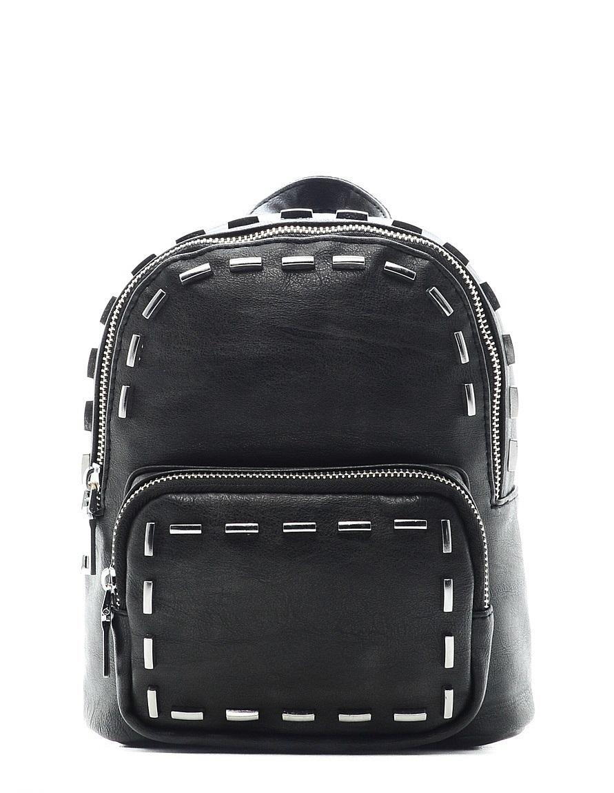 Рюкзак детский Vitacci, цвет: черный. 24214-3S76245Детский стильный рюкзак Vitacci выполнен из искусственной кожи на подкладке из текстиля.Рюкзак имеет одно вместительное отделение и застегивается на застежку-молнию. Внутри модель дополнена одним втачным карманом на молнии и накладным открытым. Перед рюкзака имеет накладной кармашек на молнии. Рюкзак оформлен оригинальными металлическими вставками.Изделие оснащено съемными наплечными лямками, которые регулируются по длине.