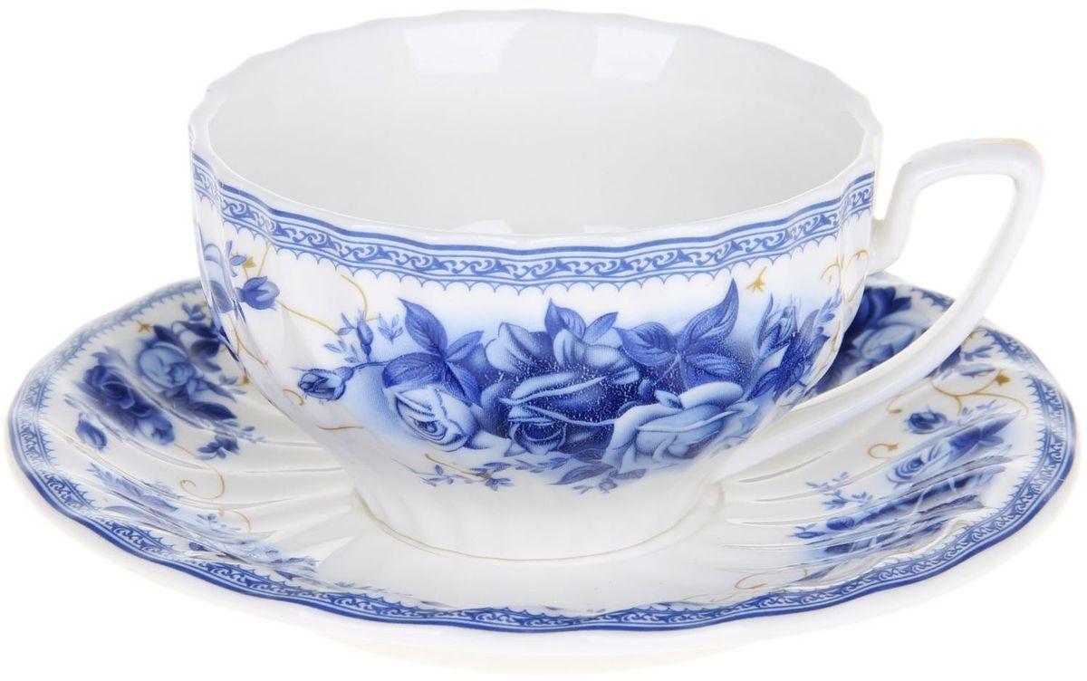 Чайная пара Доляна Дымка1113378Чайная пара Доляна Дымка состоит из чашки и блюдца, выполненных из костяного фарфора. Изделия украшены изысканным рисунком в сине-голубых оттенках. Посуда отличается прозрачностью и белизной, она неприхотлива и не требует особых условий хранения. Набор сочетает в себе бытовую практичность и декоративную утонченность. Подходит для повседневного использования. Не рекомендуется мыть в посудомоечных машинах. Не рекомендуется использовать посуду для разогрева пищи в СВЧ-печах.