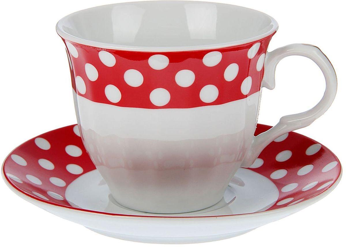 Набор чайный Доляна Горох, 2 предмета21395599Какую посуду выбрать для чаепития? Конечно, традиционный напиток по необходимости можно пить и из помятой алюминиевой кружки. Но все-таки большинство хозяек стараются приобрести изящные и оригинальные модели для эстетического наслаждения неповторимым вкусом и тонким ароматом хорошего чая.Кухонная керамика сочетает в себе бытовую практичность и декоративную утонченность. Нарядный комплект обязательных для чаепития атрибутов изготовлен на родине древнего напитка и привнесет в каждую трапезу особую энергетику.