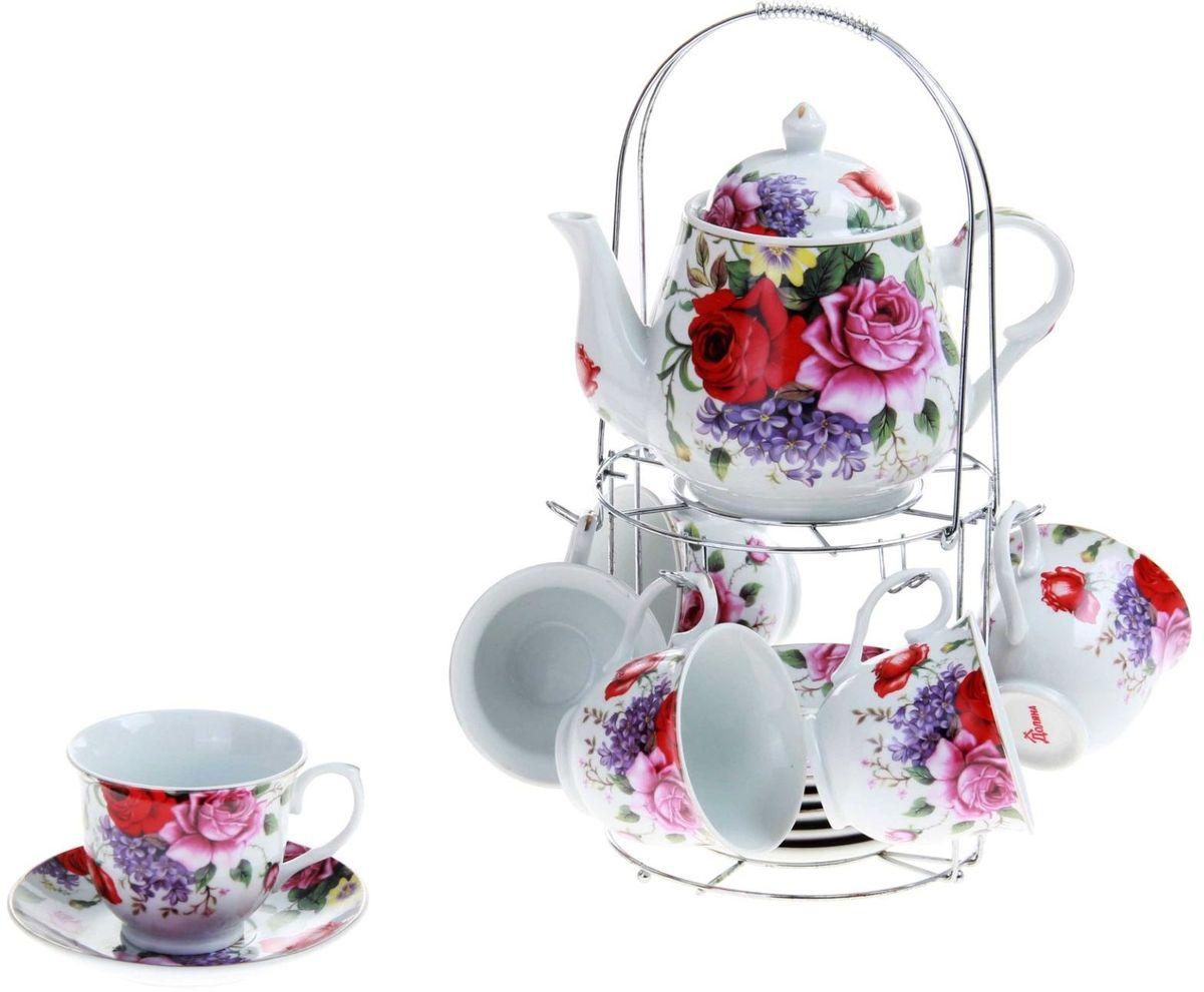 Набор чайный Доляна Страстная роза, 13 предметов115510Какую посуду выбрать для чаепития? Конечно, традиционный напиток по необходимости можно пить и из помятой алюминиевой кружки. Но все-таки большинство хозяек стараются приобрести изящные и оригинальные модели для эстетического наслаждения неповторимым вкусом и тонким ароматом хорошего чая.Кухонная керамика сочетает в себе бытовую практичность и декоративную утонченность. Сервиз чайный Страстная роза, 13 предметов на подставке: 6 чашек 250 мл, 6 блюдец, чайник 1 л отличается высокой прочностью и обаятельным дизайном. Нарядный комплект обязательных для чаепития атрибутов изготовлен на родине древнего напитка и привнесет в каждую трапезу особую энергетику.