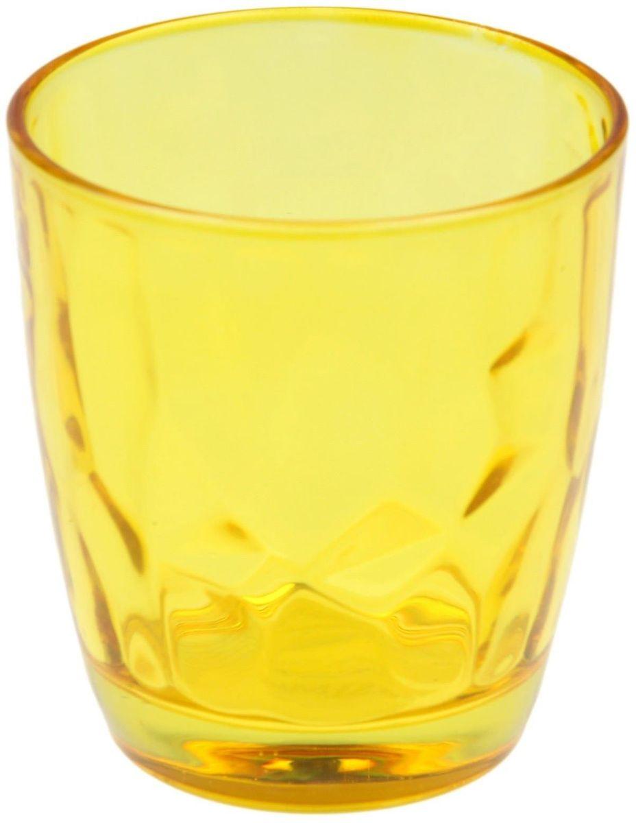 Стакан Доляна Венский вальс, цвет: желтый, 260 мл4630003364517Стеклянный стакан Доляна Венский вальс подходит для повседневного использования. Стакан из стекла, окрашенного в яркий цвет методом напыления, порадует каждого ценителя оригинальности.Достоинства:- оригинальный дизайн делает предметы украшением интерьера;- материал не впитывает запахов;- поверхность легко отмывается.Чтобы предметы радовали внешним видом как можно дольше, соблюдайте правила ухода:мойте только вручную;избегайте использования высокоабразивных средств и металлических губок;не допускайте падений и ударов.