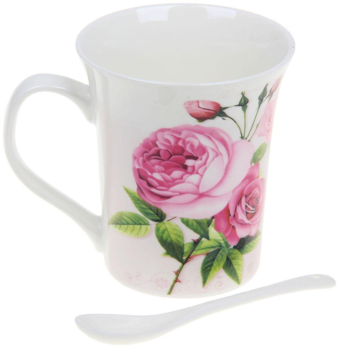 Кружка Доляна Букет цветов, с ложкой, 300 мл68/5/4Кружка Доляна Букет цветов изготовлена из керамики. Она украшена оригинальным цветочным принтом. В комплекте ложка.Кружка станет отличным подарком для родных и близких. Это любимый аксессуар на долгие годы. Относитесь к изделию бережно, и оно будет дарить прекрасное настроение каждый день.