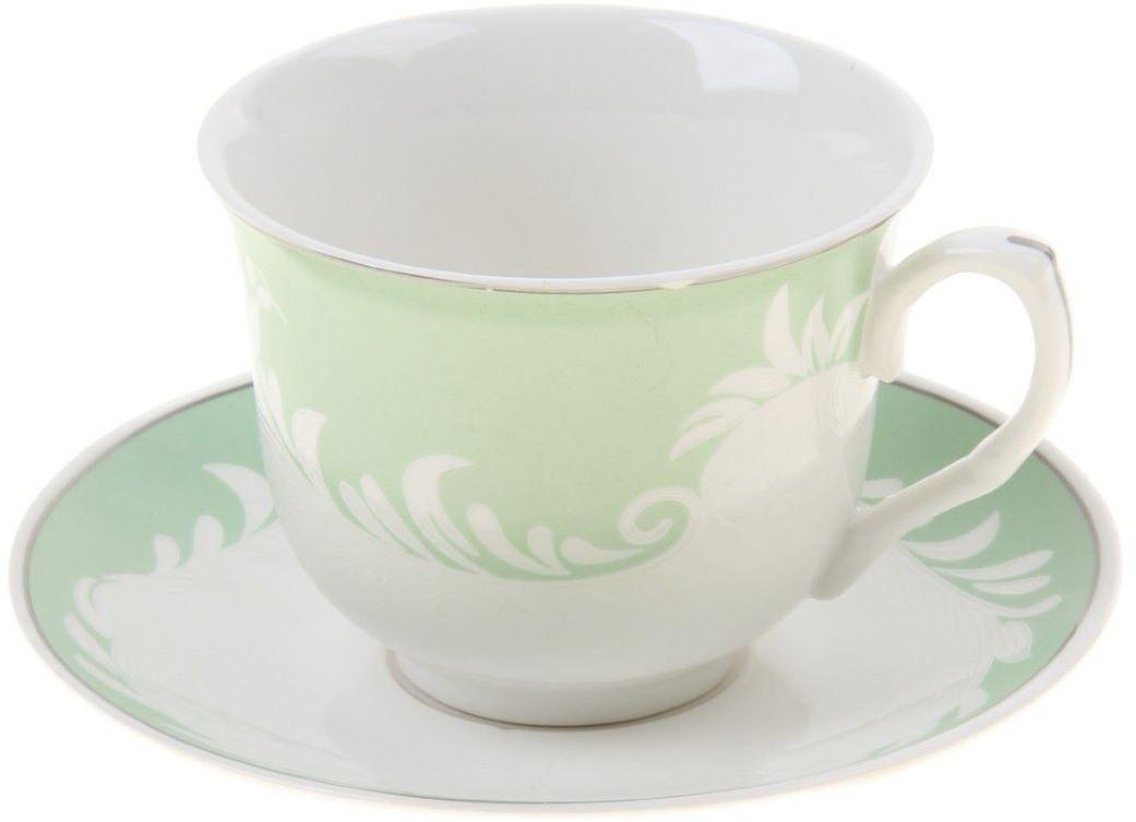 Чайная пара Доляна Элен, 2 предмета54 009312Какую посуду выбрать для чаепития? Конечно, традиционный напиток по необходимости можно пить и из помятой алюминиевой кружки. Но все-таки большинство хозяек стараются приобрести изящные и оригинальные модели для эстетического наслаждения неповторимым вкусом и тонким ароматом хорошего чая.Кухонная керамика сочетает в себе бытовую практичность и декоративную утонченность. Нарядный комплект обязательных для чаепития атрибутов изготовлен на родине древнего напитка и привнесет в каждую трапезу особую энергетику.