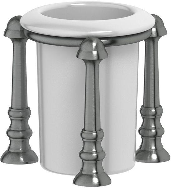 Стакан для ванной комнаты 3SC Stilmar Un, настольный, цвет: античное серебро. STI 427PH6526Дизайн коллекций компании 3SC оригинален и узнаваем. Цель дизайнеров — находить равновесие между эстетикой и функциональностью. Это обдуманная четкая философия, которая проходит через все процессы производства мастерской региона Тоскана.Многолетний опыт, воплощение социальных и культурных традиций, а также постоянный поиск новых решений?– все это сконцентрировано в коллекциях 3SC. Особенное внимание уделяется декоративной отделке изделий, которая выполнена умелыми руками настоящих итальянских мастеров. Разнообразие стилей позволяет удовлетворить различные вкусы клиента от «классики» до «хай-тек», давая возможность гармонично сочетать аксессуары с зеркалами и освещением.
