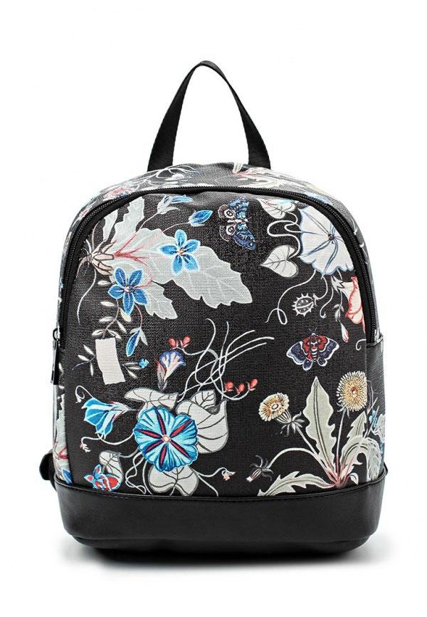 Рюкзак для девочки Vitacci, цвет: черный. 21095-3BM8434-58AEРюкзак для девочки от Vitacci выполнен из искусственной кожи. Модель с одним отделением застегивается на молнию. Внутри имеется прорезной карман на молнии. Плечевые лямки регулируются по длине.