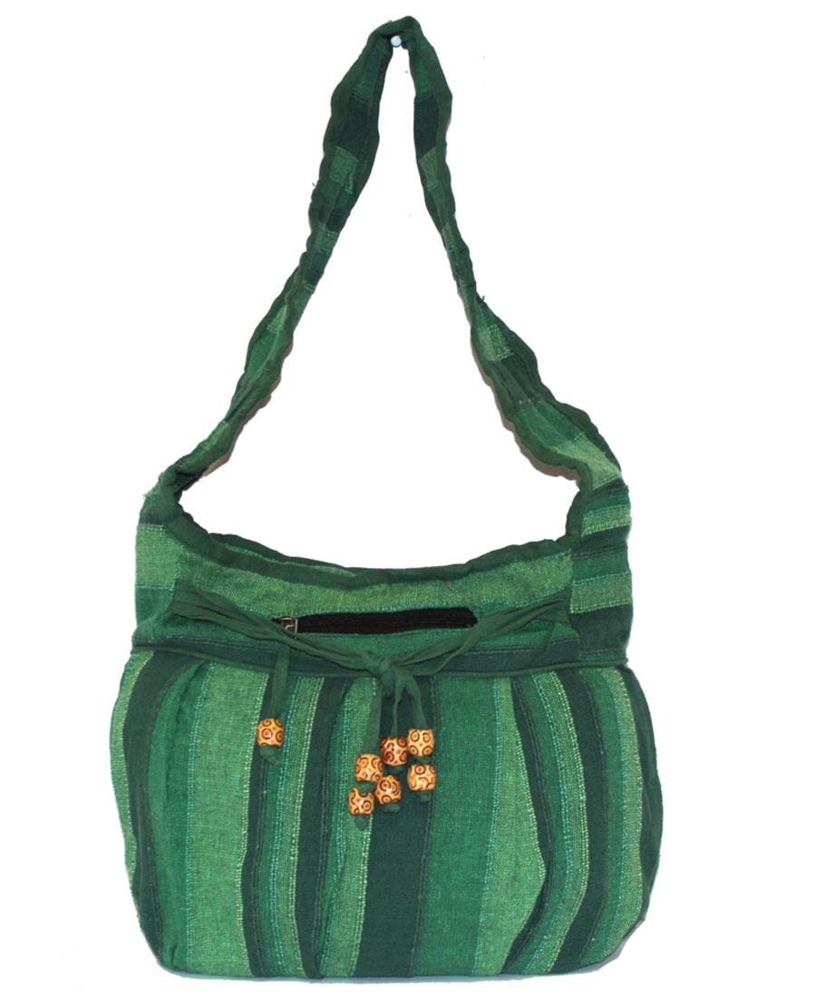 Сумка женская Ethnica, цвет: зеленый. 190150BM8434-58AEЖенская сумка Ethnica изготовлена из текстиля. Дополнена модель широкой удобной лямкой и украшена принтом в полоску. Передняя стенка сумки оснащена втачным карманом на молнии. Застегивается изделие на застежку-молнию.