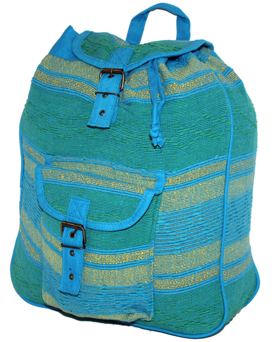 Сумка-рюкзак женская Ethnica, цвет: лазурный, мультиколор. 187250BM8434-58AEЖенская сумка-рюкзак Ethnica изготовлена из качественного текстиля. Сумка имеет одно вместительное отделение и застегивается на металлическую пряжку. Внутри имеется основное отделение.Спереди сумка-рюкзак дополнена накладным карманом с клапаном.Сумка оснащена ручкой для переноски и двумя наплечными ремнями.