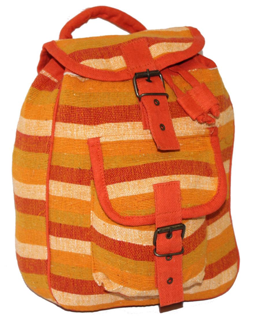 Сумка женская Ethnica, цвет: оранжевый. 19718071069с-2Женская сумка-рюкзак Ethnica изготовлена из качественного текстиля. Сумка имеет одно вместительное отделение и застегивается на металлическую пряжку. Внутри имеется основное отделение.Спереди сумка-рюкзак дополнена накладным карманом с клапаном.Сумка оснащена ручкой для переноски и двумя наплечными ремнями.