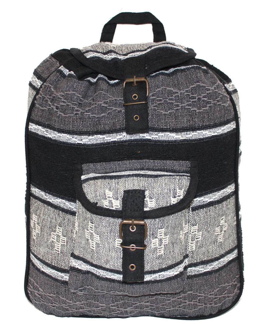 Сумка-рюкзак женская Ethnica, цвет: серый, белый. 187250S76245Женская сумка-рюкзак Ethnica изготовлена из качественного текстиля. Сумка имеет одно вместительное отделение и застегивается на металлическую пряжку. Внутри имеется основное отделение.Спереди сумка-рюкзак дополнена накладным карманом с клапаном.Сумка оснащена ручкой для переноски и двумя наплечными ремнями.